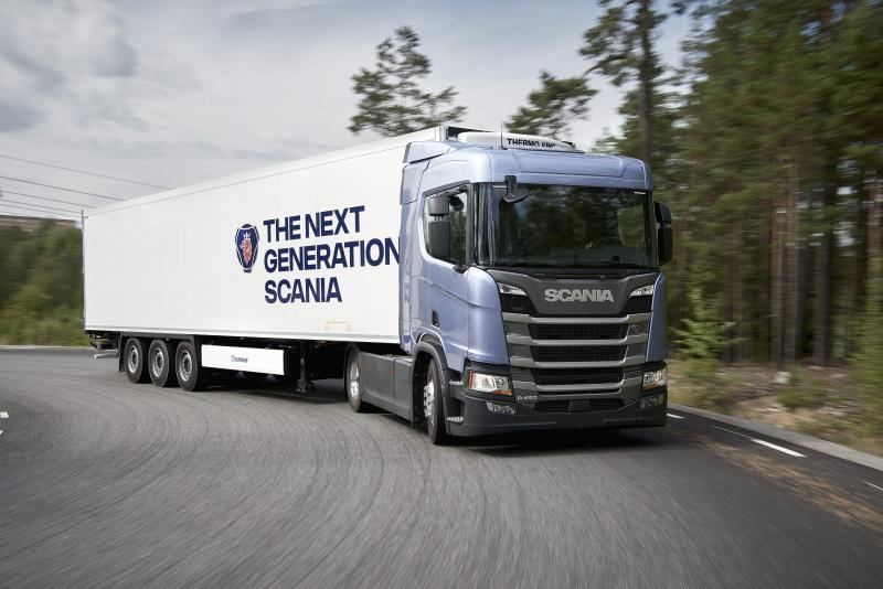 A tesztszerelvények összgördülőtömege a mérési bizonylatok alapján 34 tonna  volt. Az üzemanyag-fogyasztást a műszerpanel központi kijelzőjén  leolvasható ... 1224145399