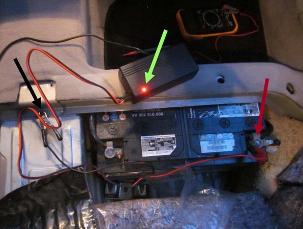 Akkumulátor töltése az autóban
