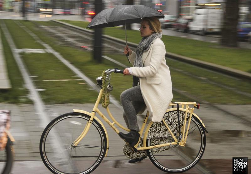 Tóbiás és Balambér biciklis kalandjai a tavaszi esőben  b3e2855d68