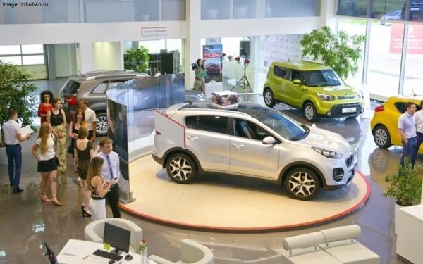 Tíz százalékkal is visszaeshet idén az új autók értékesítése Oroszországban